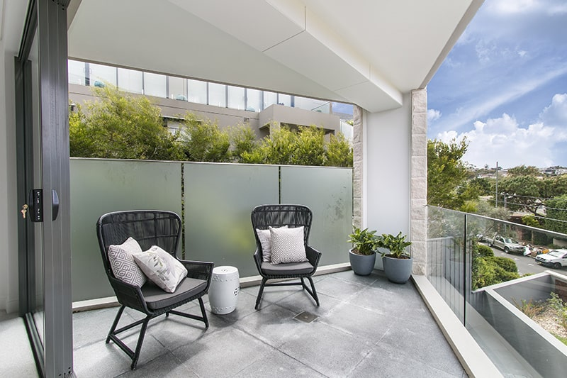 Glass railings outdoor design to make the most of view by installing glass railings