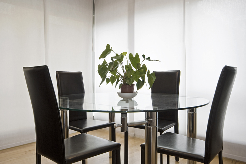 Round glass dining table where there are so many ways to support glass table sets for glass dining table designs