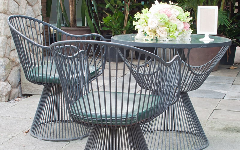 Circular cane balcony furniture design gives elegant and classic look in your balcony space