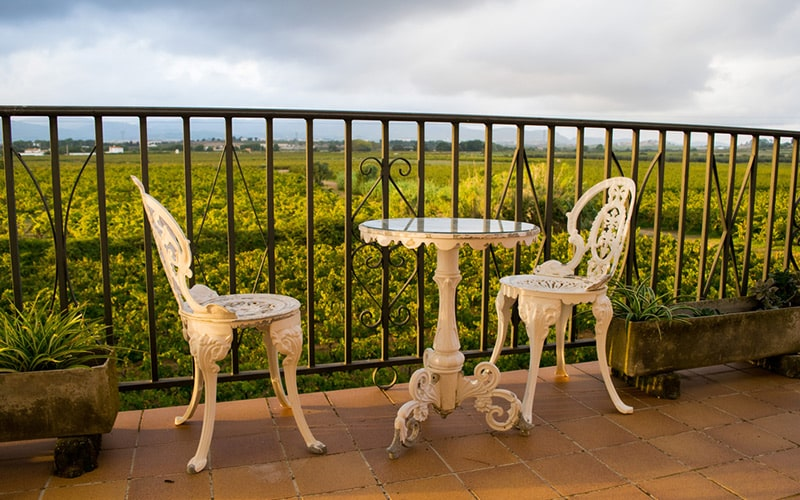 Wrought iron outdoor balcony furniture brings elegant look